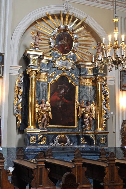 21. Barokowy ołtarz boczny p.w. św Michała Archanioła, II poł. XVIII w.