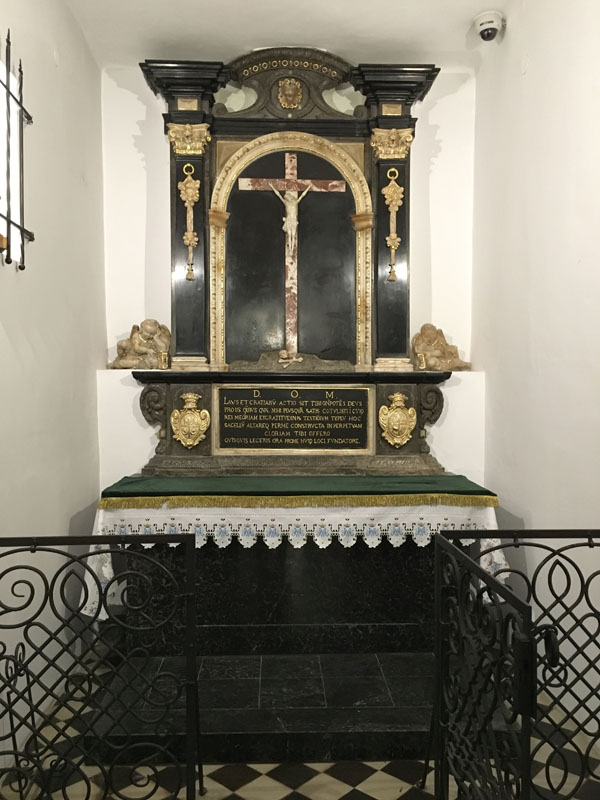 9. Ołtarzyk św. Krzyża (nagrobek Mikołaja Spytka Ligęzy), 1629 r.